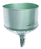 8 QT LOCK-ON TRACTOR FUNNEL